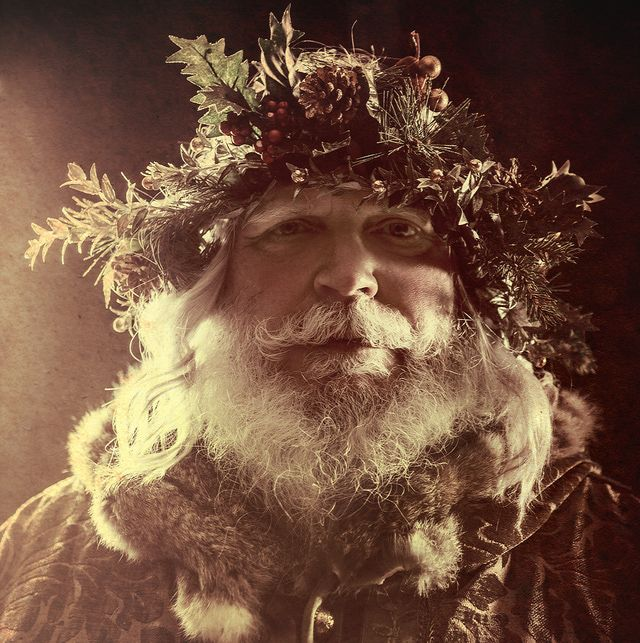 Yule Customs, Traditions and Folklore: The Holly King and the Oak King
