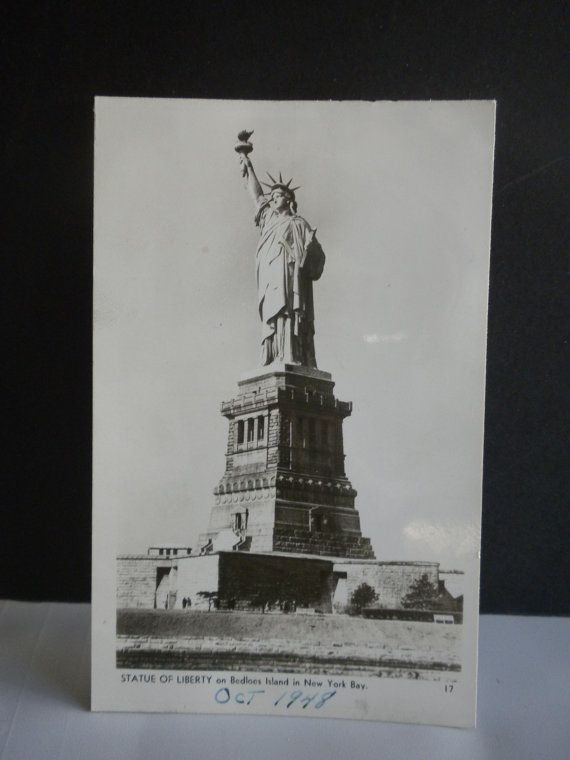 Vintage Postcard Statue Of Libery on Bedloes Island by oldandnew8, $9.00