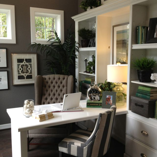 Best Paint Colors For Small Spaces: Best Grey Paint, SW Gauntlet Gray Www.cdcdesigns.com