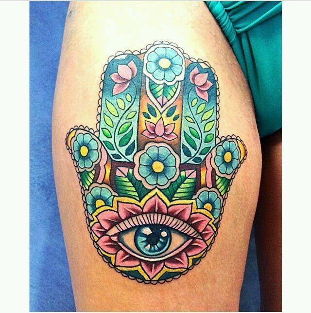Mit tattoo bedeutung auge hand Miley Cyrus'