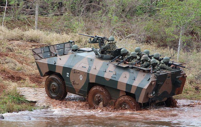engesa=Blindado anfíbio EE-11 Urutu-Brazil