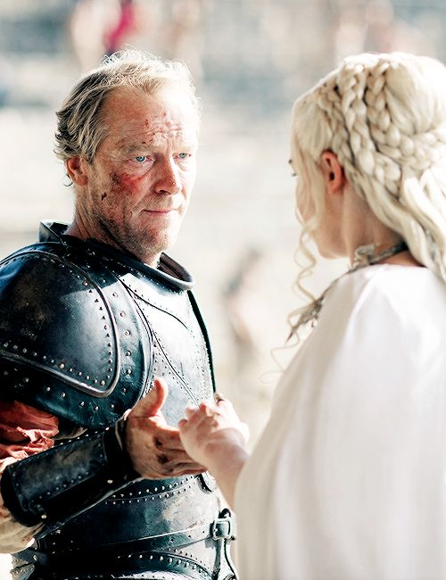Jorah Mormont and Daenerys Targaryen make up. The moment I was waiting to see. Dany should have never sacked him.