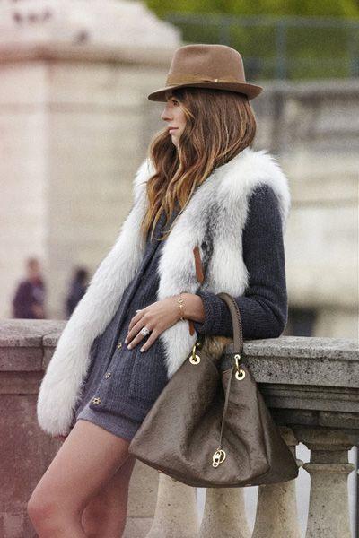 Artsy MM Louis Vuitton bag.