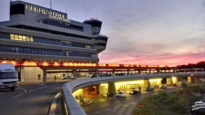Berlin Tegel Airport (TXL)....Ich liebe es flughafen....ist sehr schon!!!
