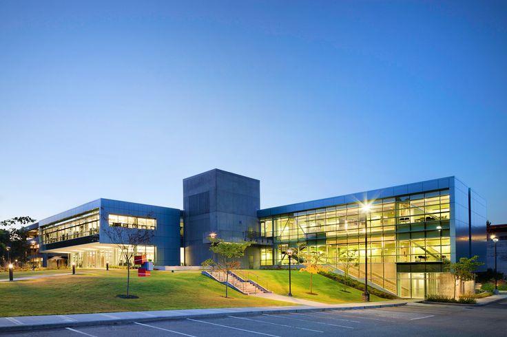 North Seattle Community College это двухлетний общественный колледж, а также один из четырех колледжей, входящих в Общественные колледжи Сиэтла и один из 32 членов коллегии Вашингтонского Сообщества технических колледжей страны. Узнайте больше>>> http://www.globalstudy.ru/1/10/695/obrazovanie-v-ssha-north-seattle-community-college