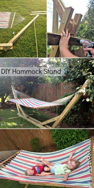 Wenn man keine Bäume im Garten hat dann kann man eine Hängematte auch an einem Gestell aufhängen.