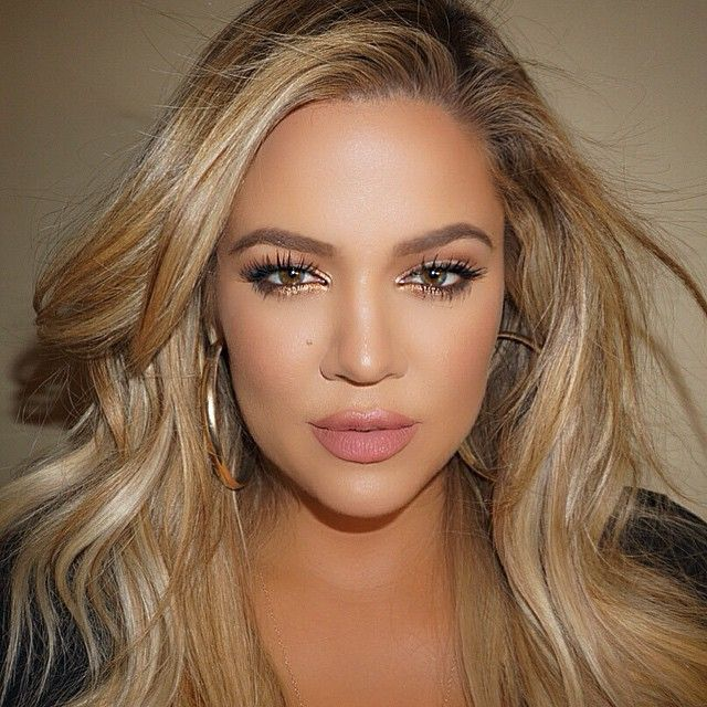 Khloe Kardashian Reveals Her Gym Makeup & Skin Routine