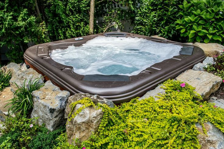 tips for low impact hot tub exercising hot tub setting. Black Bedroom Furniture Sets. Home Design Ideas