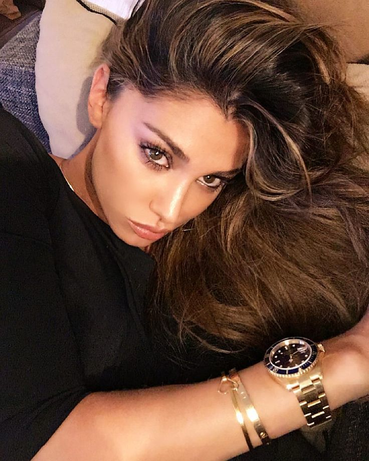 MILANO La showgirl argentina Belen Rodriguez cambia look e trasforma, pian piano, la sua chioma in bionda. A far trapelare la notizia