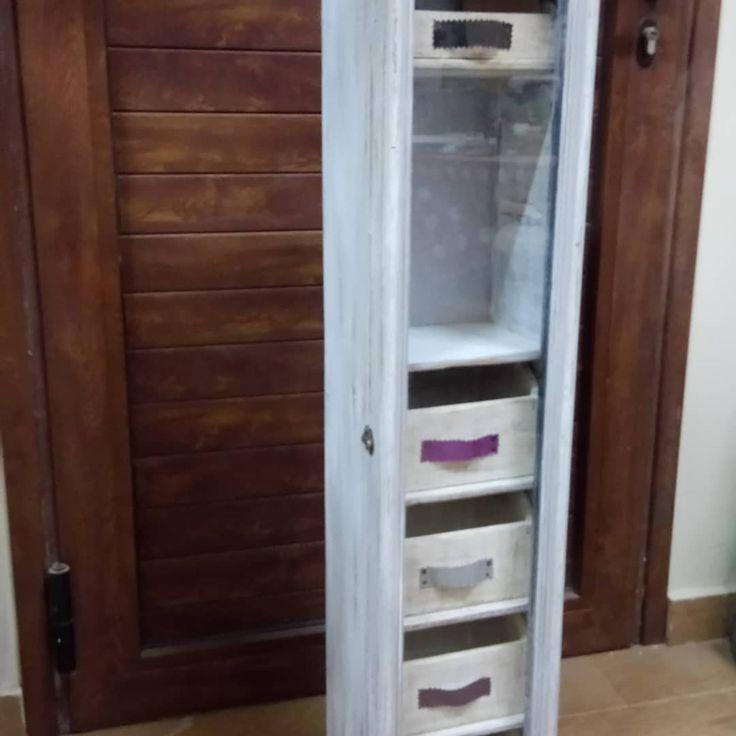 Mueble CDS, reciclado, joyero, blanco, gris, decapado, cajones hechos a mano.