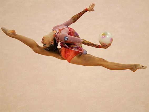 Gymnastique rythmique avec ballon