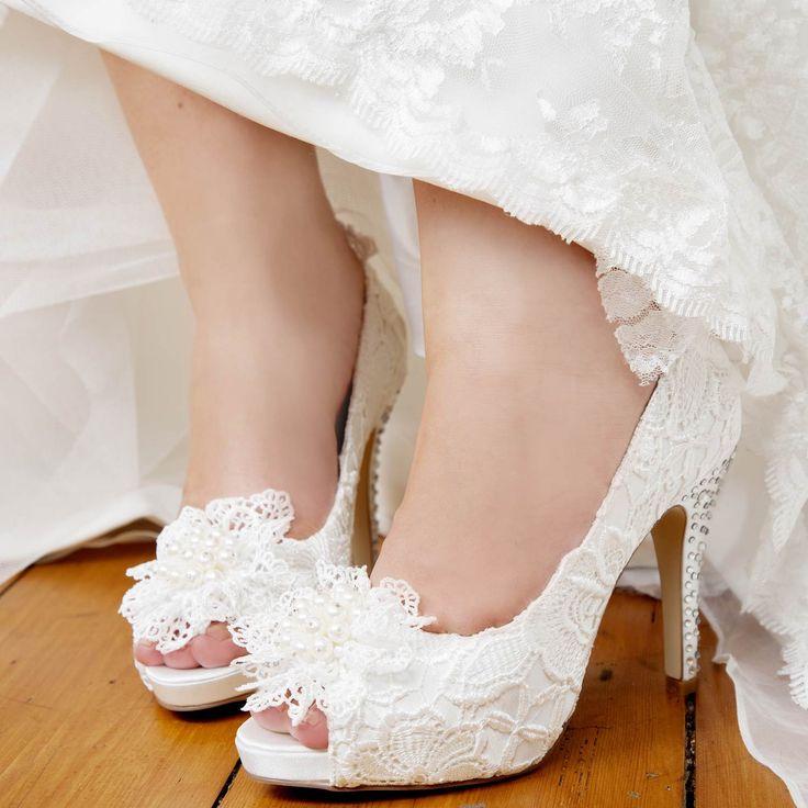 1000 id es sur le th me chaussures ivoires sur pinterest chaussures de mariage chaussures de. Black Bedroom Furniture Sets. Home Design Ideas