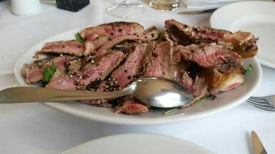 Mangiare una buona bistecca alla fiorentina senza imprecare al momento del conto non è impresa facile a Firenze, nella patria della bistecca con l'osso. A maggior ragione se si cerca  >>