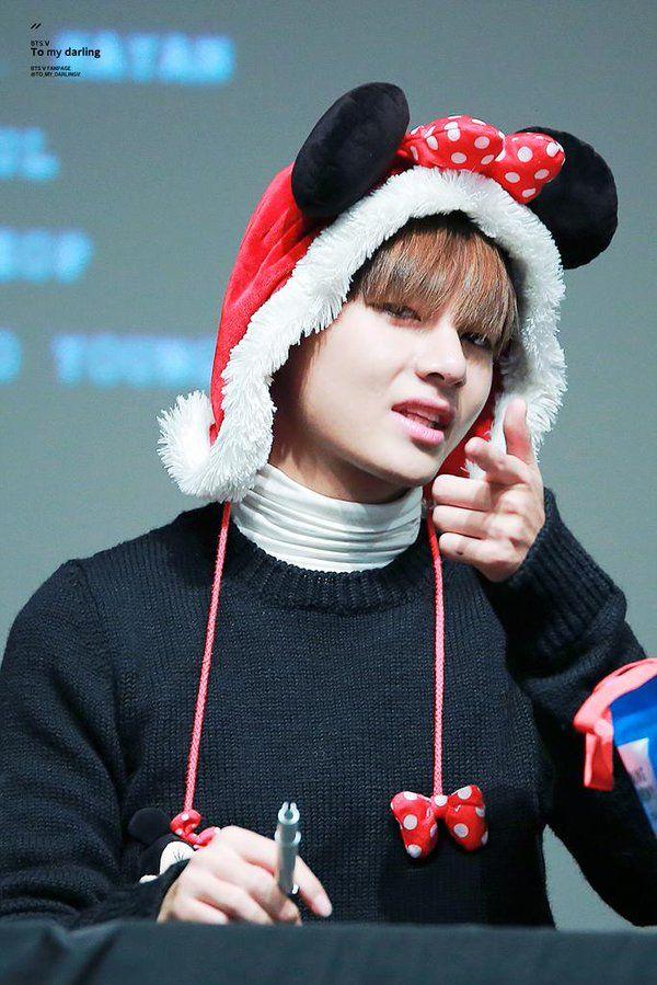 Bts V Mmmmm Merry Christmas Bts Taehyung Bts