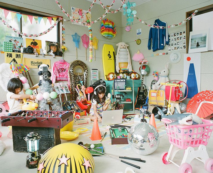 "Wonderful -------------------------- ""Kids' Hideout"" by Toyokazu"