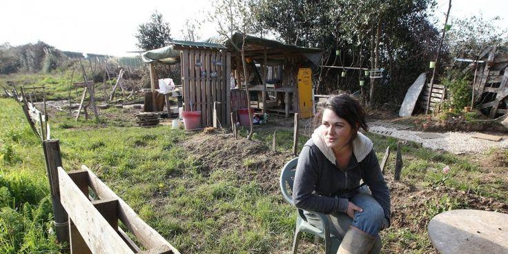Caroline Helary : « C'est surtout une philosophie et un mode de consommation que je défends. » - À la force des bras et à seulement 30 ans, Caroline Helary vient de labourer 9 000 m² de terre en pleine agglo pour en faire l'unique exploitation 100 % bio angloye.
