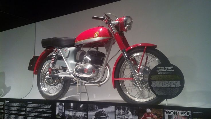 1966 Montesa Impala 250cc, a prototype from this model was able to run a 20.000Kms raid from Barcelona to Cape Town to proof its endurance.