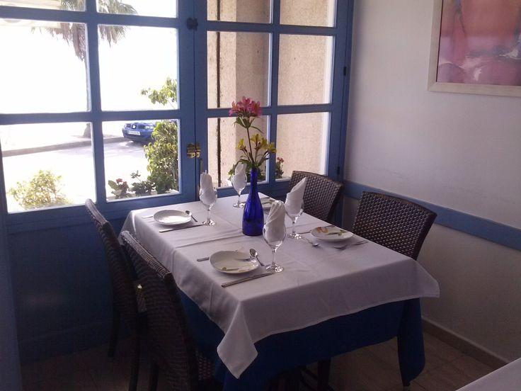 Restaurant La Lluna. Ubicació privilegiada, enfront del Passeig Marítim de les Cases d'Alcanar
