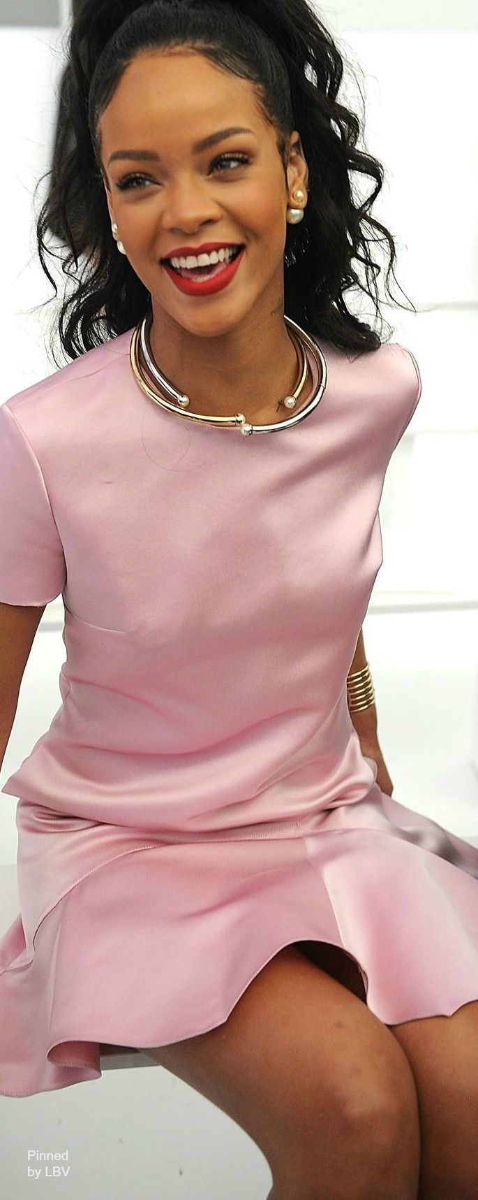 Rhianna in Dior Pink | LBV ♥✤ | BeStayBeautiful ~ I remember her first Stateside debut wearing a blue short summer dress singing on Morning News, I said at that moment, she has star power. LugalBanda