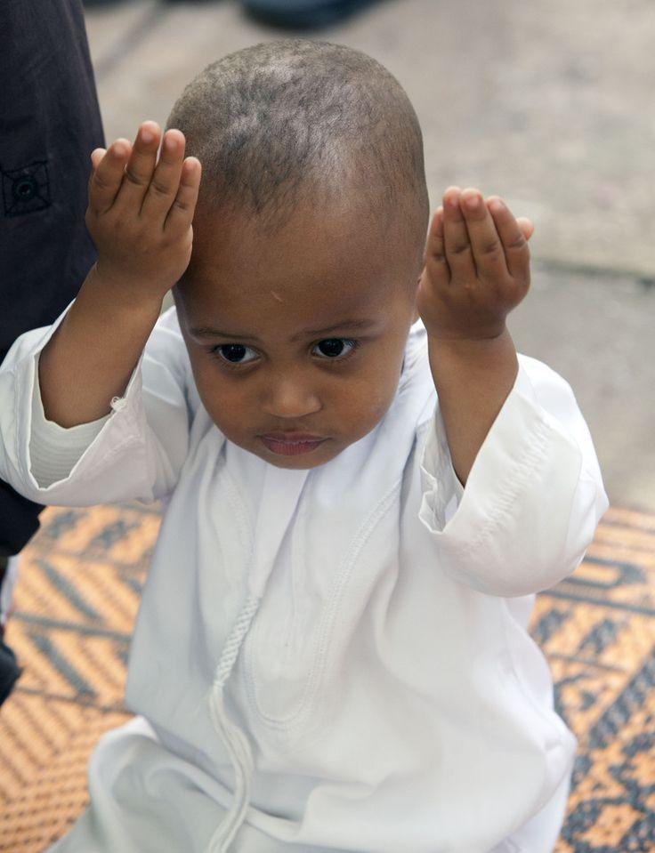 Ramadan 2013 In Pictures: Muslims Celebrate Around The Globe (PHOTOS)