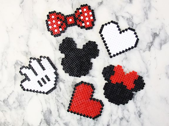 DIY : des sous-verre Mickey-Minnie en perles Hama (+ grilles)