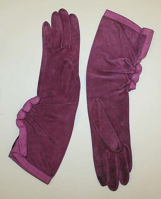 Gloves Hermès (French, founded 1837) Date: 1930s Culture: French Medium: leather Dimensions: Length (a, b): 14 1/2 in. (36.8 cm)
