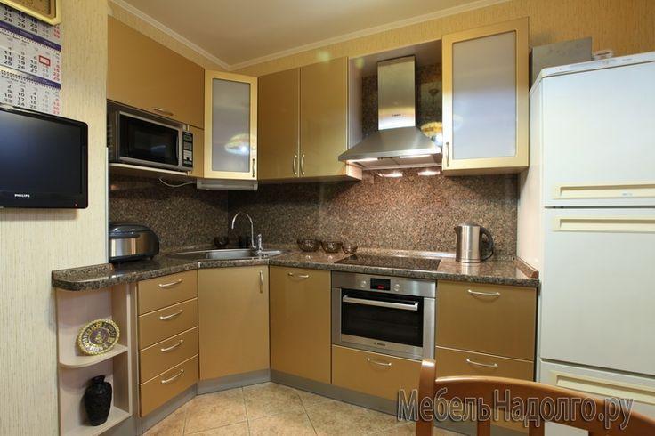 Дизайн угловой кухни из эмали в доме серии п-44 - где заказать? Купить по выгодным ценам - PalmiraMebel.ru