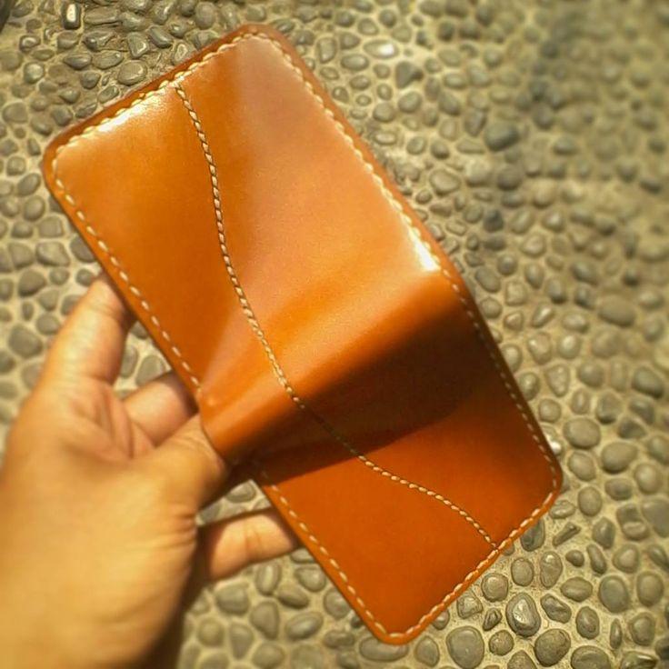 handmade leather wallet by @jollyrogerx on instagram