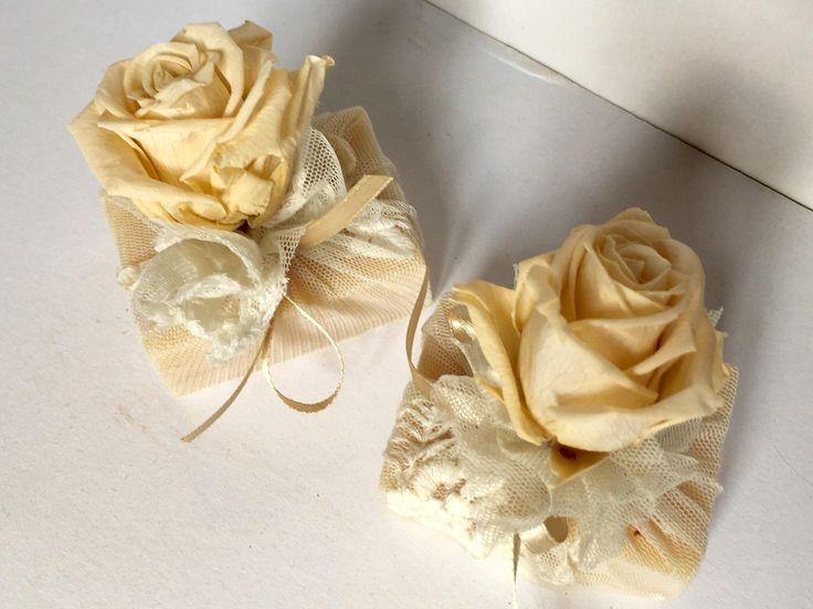 Saponi naturali vestiti di tulle vintage con rosa stabilizzata di Ateliertramepreziose su Etsy
