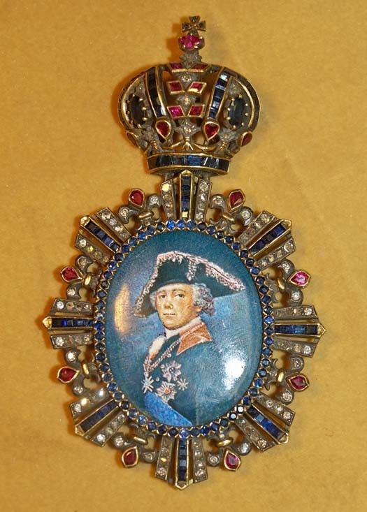 : Antique Russian Miniature Portrait pin/pendant with rose cut diamonds, rubies and sapphires set in 14ct gold