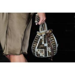ventas a nivel mundial mochilas , bolsos y sobres wayuuu en pedreria original cel en colombia 3115026491