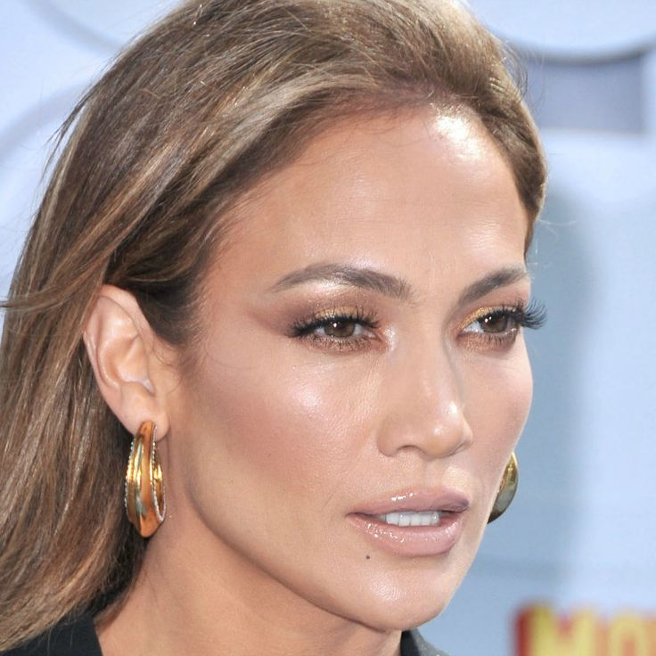 http://www.vivala.com/makeup/jennifer-lopez-best-makeup/6797/This roundup would be incomplete without a bronze goddess moment./1