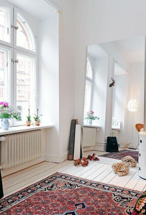 Persian rug. Mirror