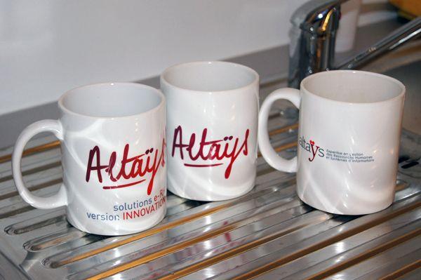 Altays : déjà trois générations de mugs !