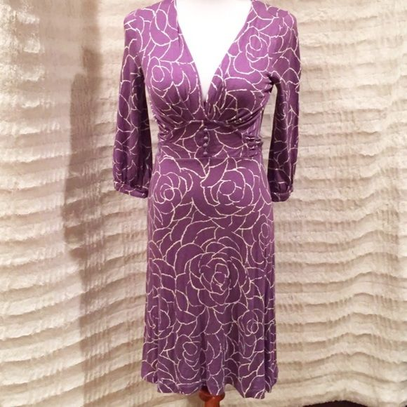 Banana Republic Purple Jersey Dress Petite Sz Sm Great condition, petite size small but fits like a regular small. Ties at the waist in the back for a flattering look. Jersey fabric is so comfy and ruched at the bust for a great silhouette. Banana Republic Dresses