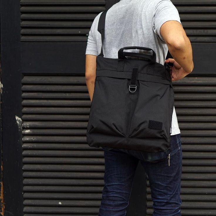 """Full Preview of CIG 202 HB Inspired from helmet bag this amphibious sling/briefcase designed to fit with 14"""" notebook. Compatible with both AXIS Strap and upcoming LiTE Sling.  COG 202 HB will be part of upcoming c.i.G collection from us.  #bag #slingbag #helmetbag #tactical #technical #urban #streetwear #techwear"""