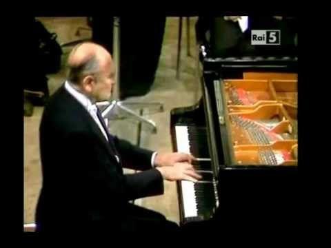Rachmaninov: Piano Concerto n.1 - Nikita Magaloff