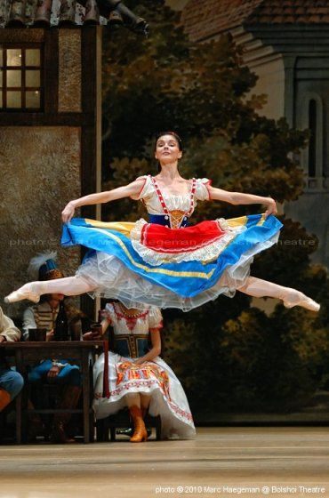 The Bolshoi Ballet Coppélia       - Dance Magic!