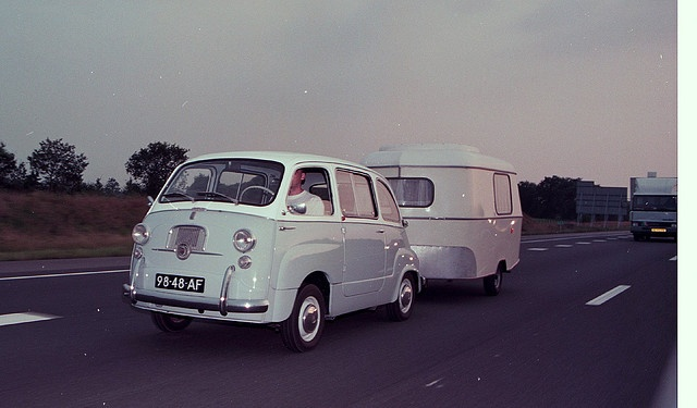 Fiat 600 Multipla and caravan