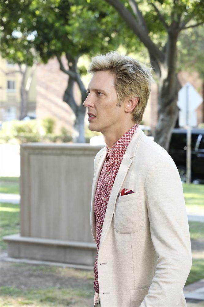 Pin for Later: 75 Stylish Reasons We'll Miss Revenge Season 4 Nolan's mastered Summer menswear.