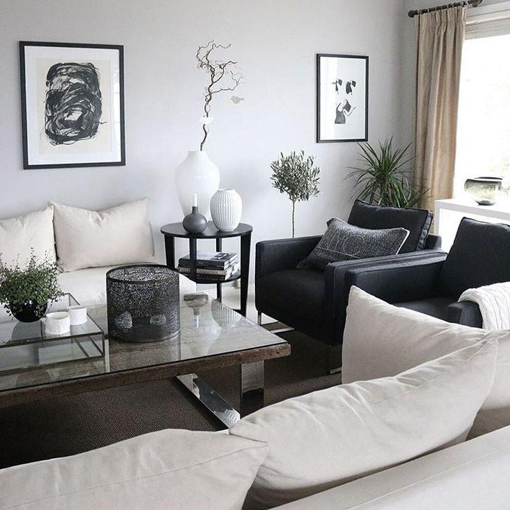 Wall: Jotuns 10182 Hvit lin anettewillemine.com #interior #livingroom #black #white #art #tovehertzberg #ingersitter #slettvoll #halvorbakke #rivieramaison #tilbords #kähler #rom123glimt_konk @rom123egmont