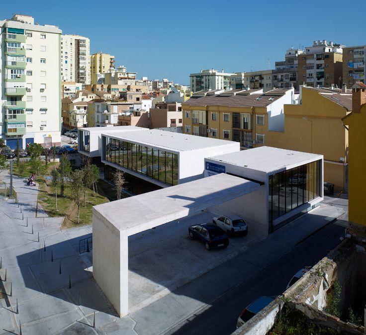 Castroferro arquitectos elevated concrete library in - Arquitectos interioristas malaga ...