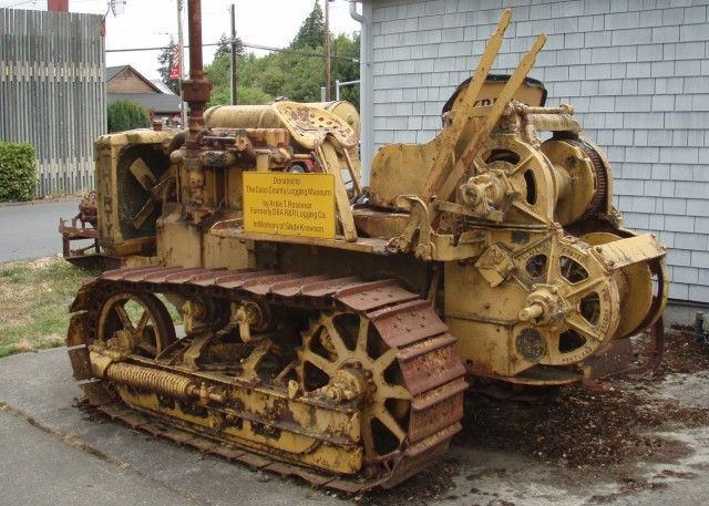 Old Antique Caterpillar Tractors : Best images about vintage cat on pinterest logos