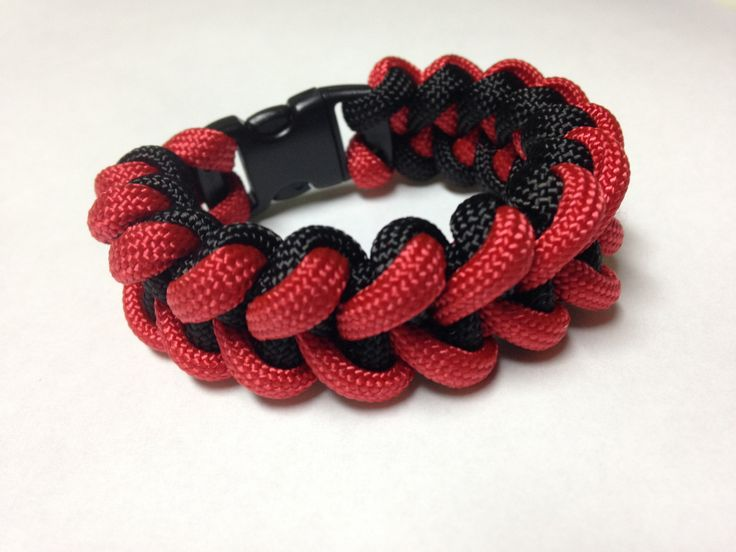 Paracord Bracelet - Red & Black Shark Tooth Weave by Stockstill Outdoor