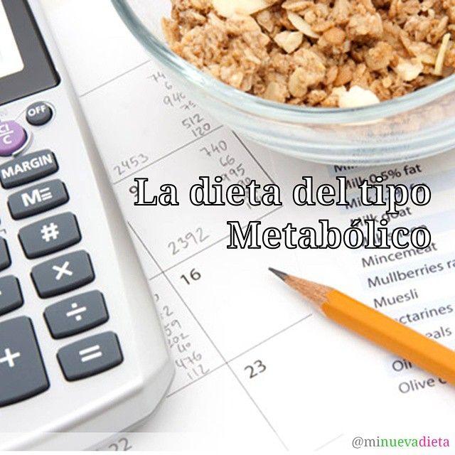 """Hoy voy a hablarte de la Dieta del Tipo Metabólico. La verdadera dieta metabólica contempla una forma de alimentarse de por vida (nada de una o dos semanas) y además se basa en cómo es el metabolismo de cada quien (nada de dietas generales que sirven para todo el mundo). Como cualquier dieta que se respete (y entiéndase """"dieta"""" como """"manera de alimentarse"""") insiste en el consumo de alimentos naturales y no procesados. El énfasis está en el papel que juegan los macronutrientes en nuestro…"""