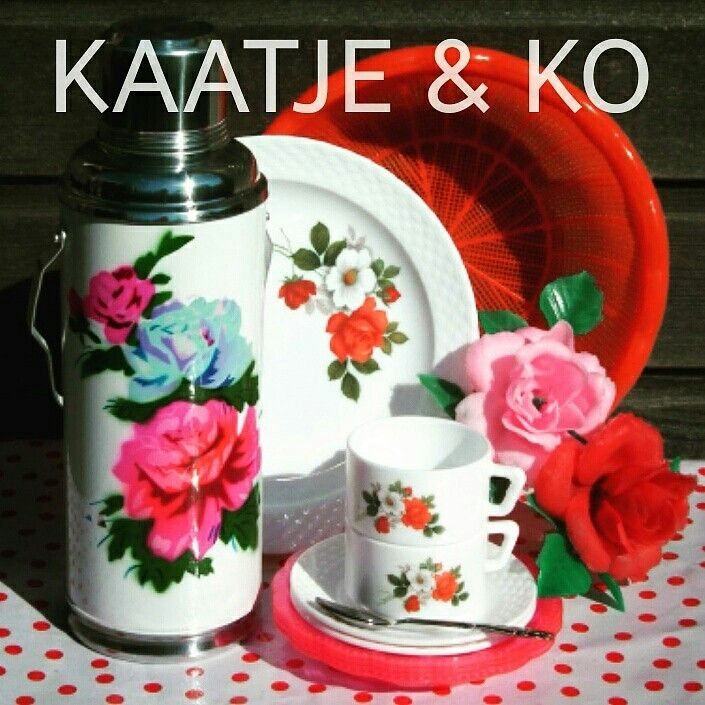 Mix van retro & vintage...  love it!! www.kaatje-en-ko.com