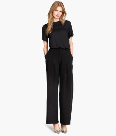 H&M Wide Leg Pants - Perfect for the office...I'd style mine with a casual graphic tee and black blazer! #mhkinstl #morningmusthaves