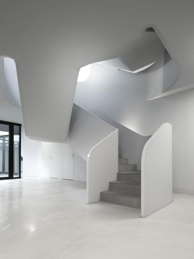 reinforced-concrete-house-with-aluminum-facade-9-stairs-bottom.jpg