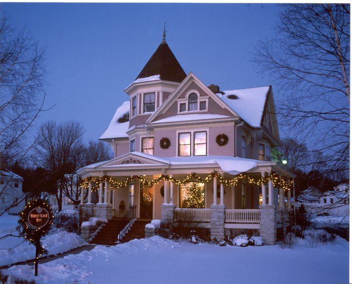Christmas at The White Lace Inn, Sturgeon Bay, WI (We Spent our honeymoon here)…