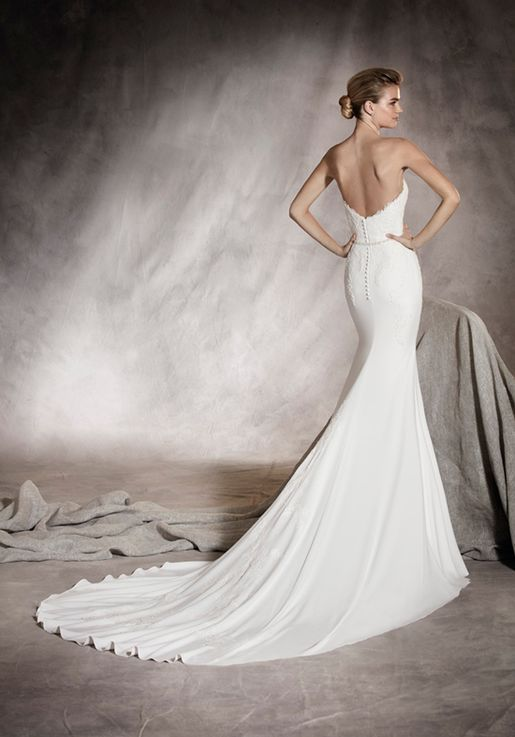 0758060f93f8 Fitted Pronovias gown. #crepe #lowback #strapless | Someday! in 2019 ...